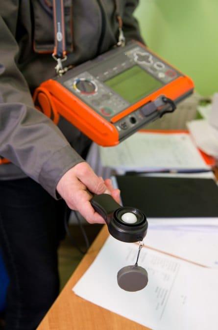 Uso del Medidor Multifunción de Instalaciones Eléctricas AMPI-530