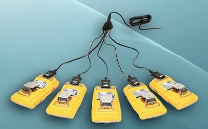Adaptador de corriente multi-unidad